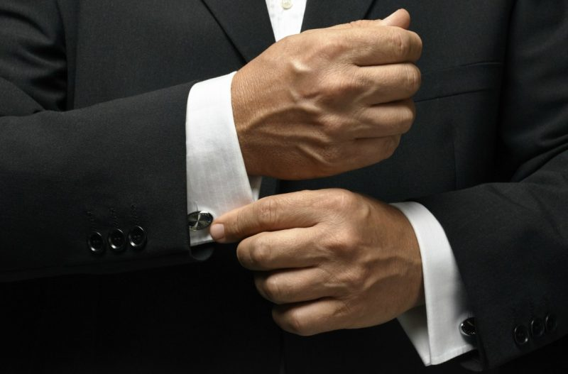 What types of cufflinks are used?